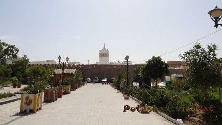 Старая мечеть на территории Медины Хаммамета
