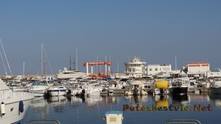 Огромное количество яхт в Хаммамете