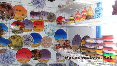 Керамика в сувенирных лавках Медины