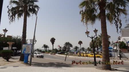 Стоянка такси рядом с Мединой Хаммамета