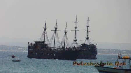Прогулка в море на пиратских кораблях в Хаммамете