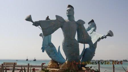 Статуя на берегу Хаммамета
