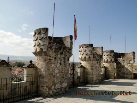 башни крепости Алькасар