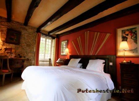 номер в отеле Le Moulin Du Roc 4