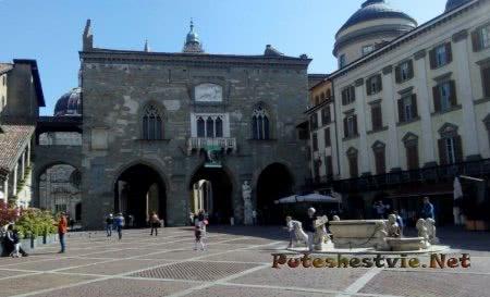 Соборная площадь Бергамо
