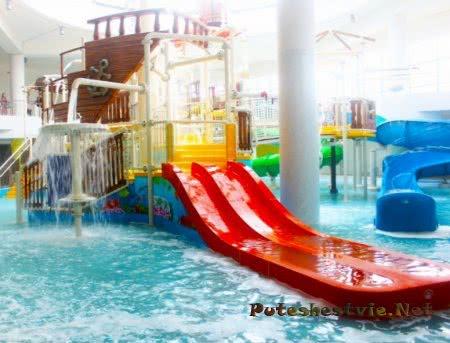 В Новосибирске открыли крупнейший аквапарк России