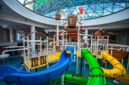 крупнейший в России аквапарк Кварсис-Аквамир