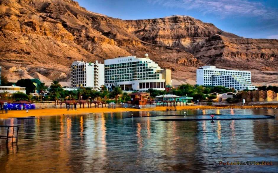 Посмотрите видео о лечении в Эйн-Бокек (Мертвое море)