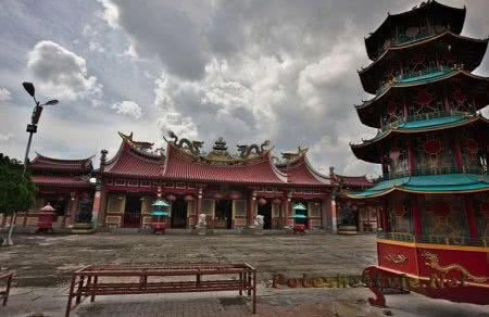 Храм Маха Майтрейя