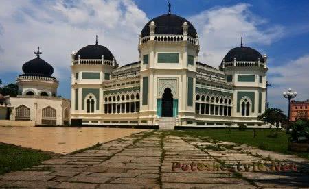 Мечеть Масджид Райя