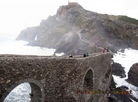 Гастелугаче остров в Испании