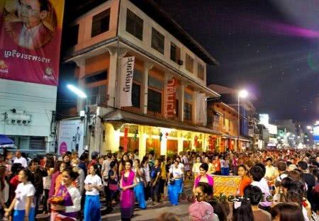 Ночной рынок в городе Чианг Май