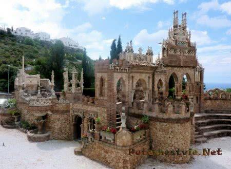 Замок Коломарес в городе Бенальмадена