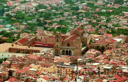 Город Монреале в Сицилии