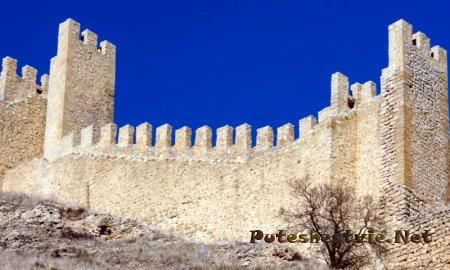 Крепостные стены Альбаррасина