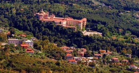 Аббатство San Martino delle Scale