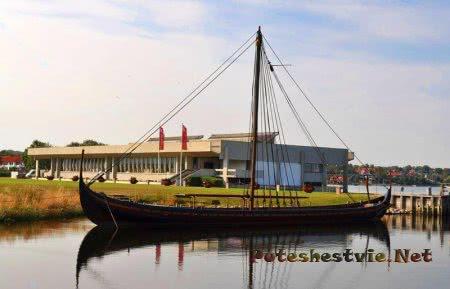 Музей кораблей викингов - Дания