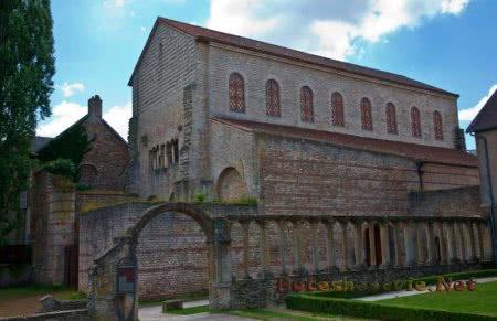 Церковь Сен-Пьер-о-Ноннен