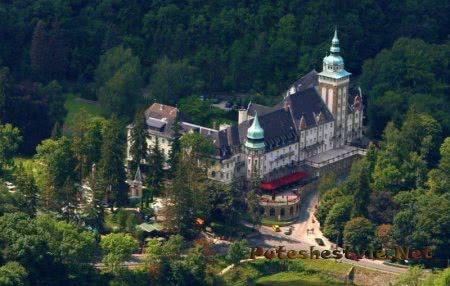 Замок-отель Palota