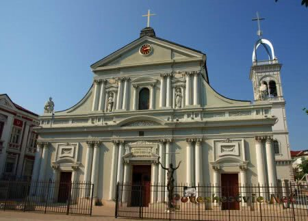 Католический собор Святого Людовика