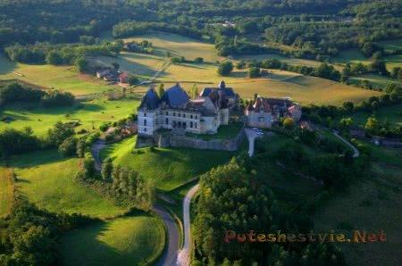 Замок Бирон