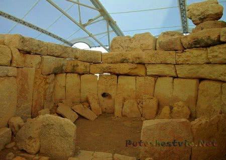 Мегалитический храм Хагар Квим