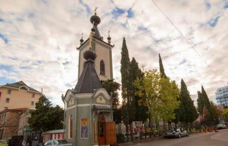 Церковь во имя всех Крымский святых и Федора Стратилата