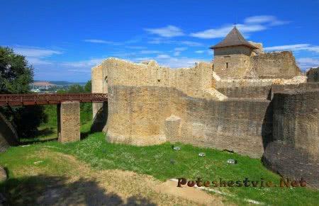 Тронный замок