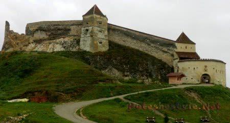 Замок-крепость Рышнов