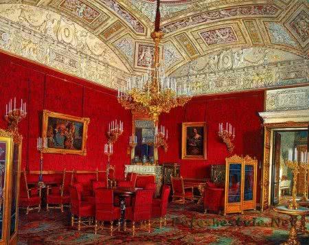Малиновый кабинет