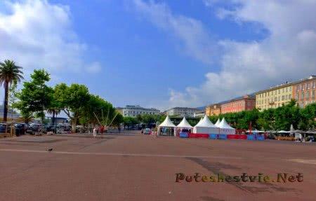 Площадь Сен-Никола