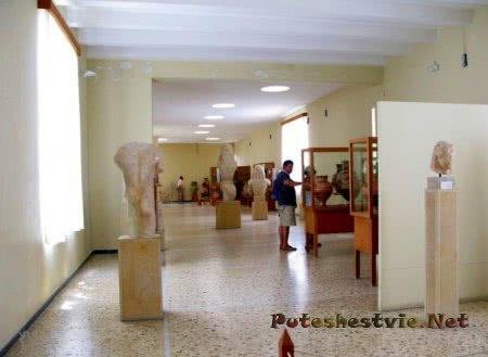 Археологический музей Фиры