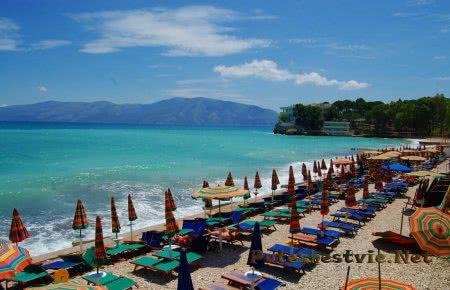 Центральный пляж Тамани
