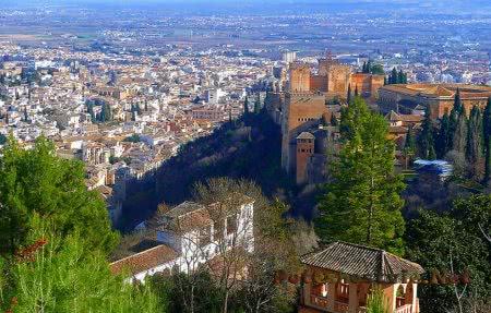 Город Гранада в Испании
