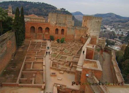 Замок-крепость Алькасаба