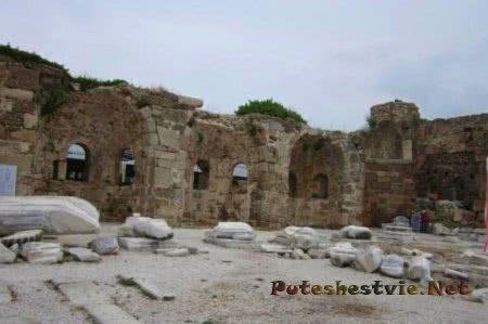 Базилика и дворец епископа Сиде