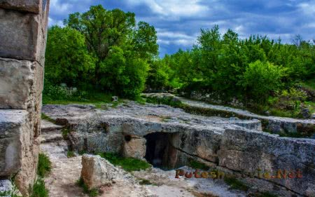 Чуфут Кале – пещерный город в Крыму