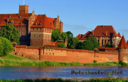Замок Мальборк в Польше