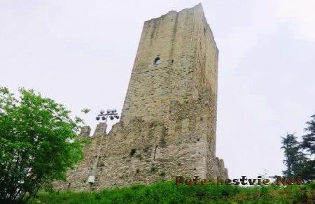 Замок Бараделло