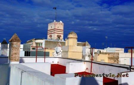Башня Торре Тавира