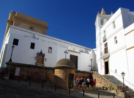 Церковь Санта Крус